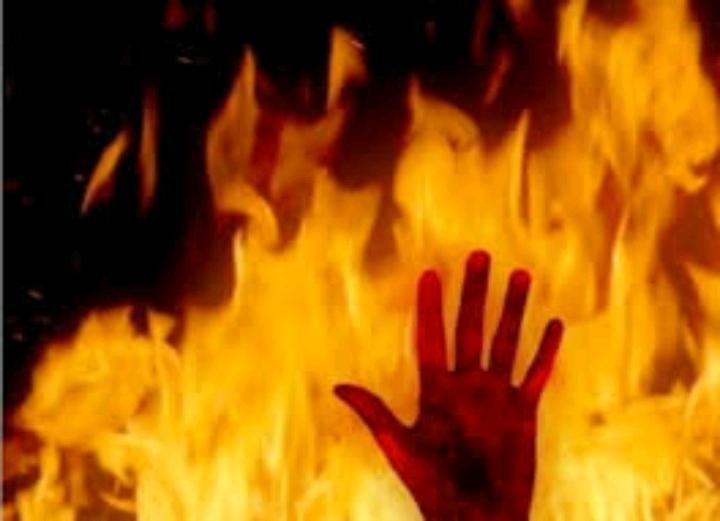 جوان 32 ساله در رودبار خود را به آتش کشید