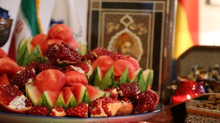 هندوانه و انار شب یلدا نماد چیست؟